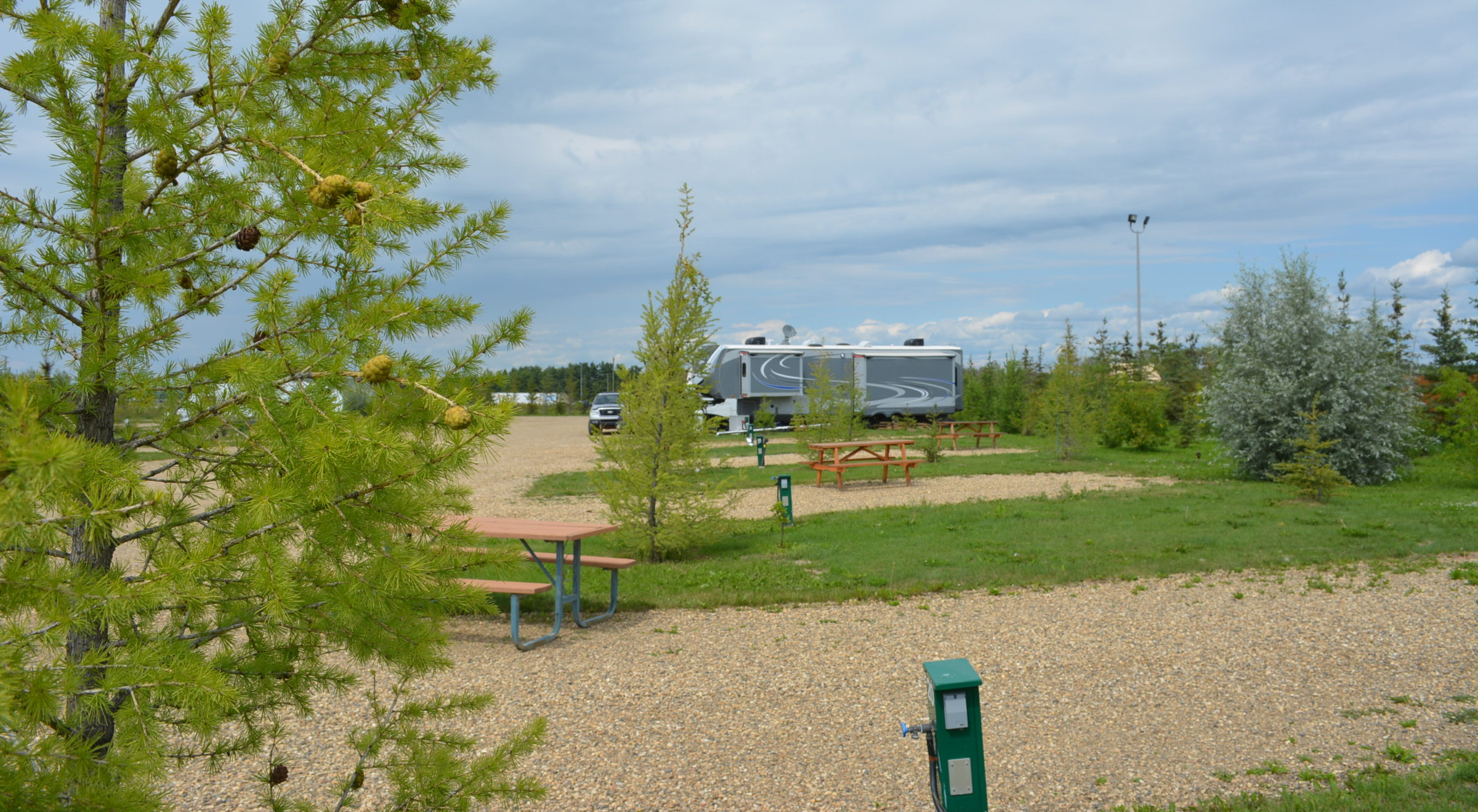 Campsite Lots, Big Rigs, 50 & 30 AMP Rendez Vous RV Park